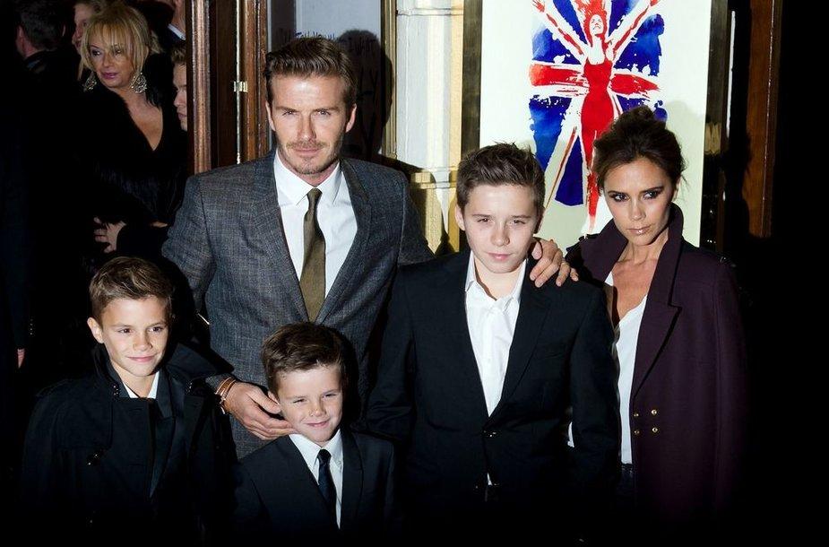 Davidas ir Victoria Beckhamai su vaikais