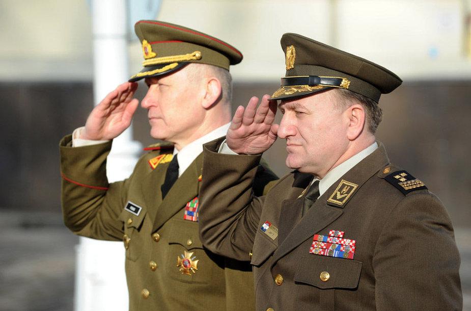 Arvydas pocius ir Kroatijos kariuomenės vadas Drago Lovričius