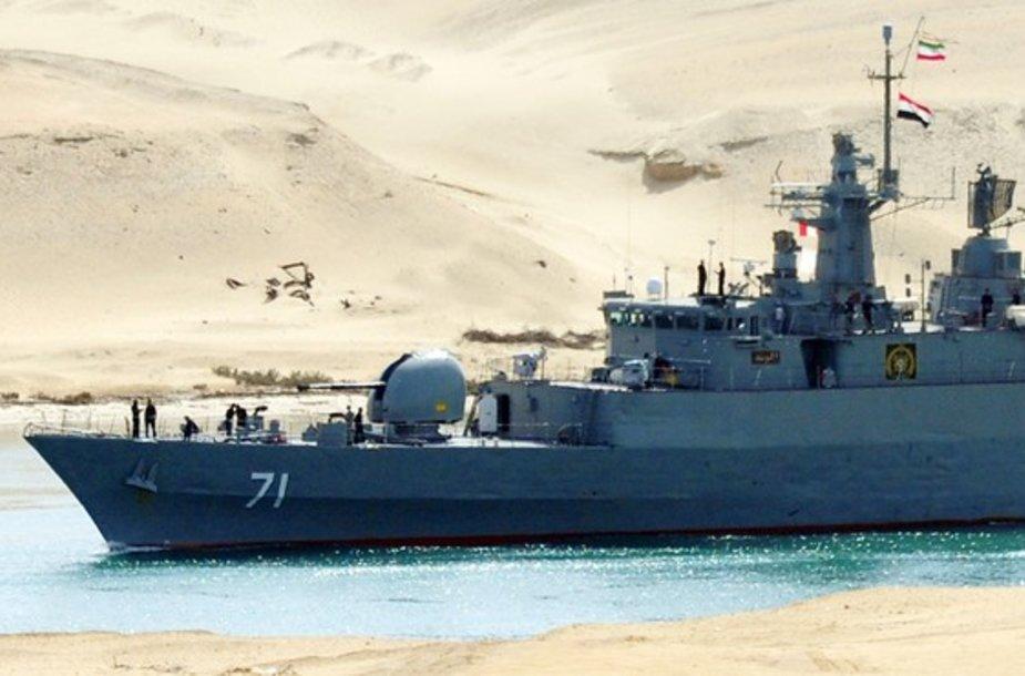 Sueco kanalu plaukantis Irano karinio jūrų laivyno laivas