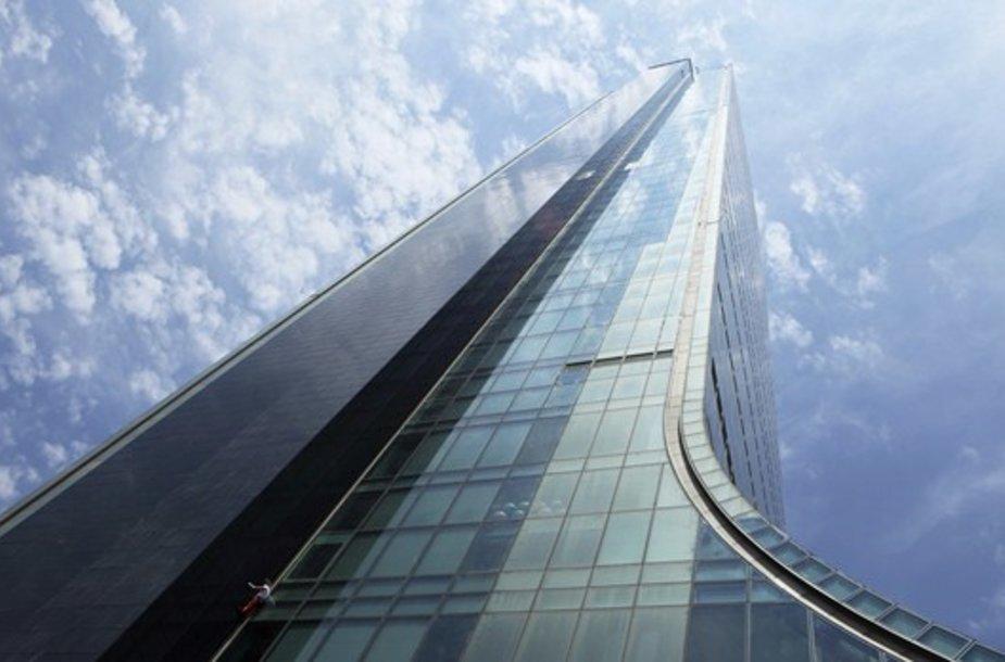 Alainas Robertas kopia į dangoraižį.