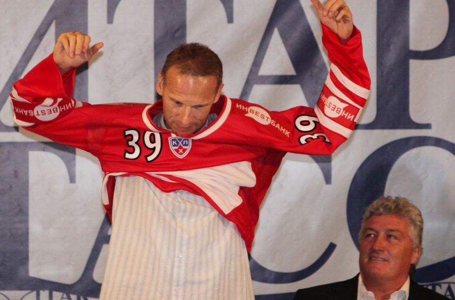 47-erių metų vartininkas čekas Dominikas Hašekas baigia ledo ritulininko karjerą