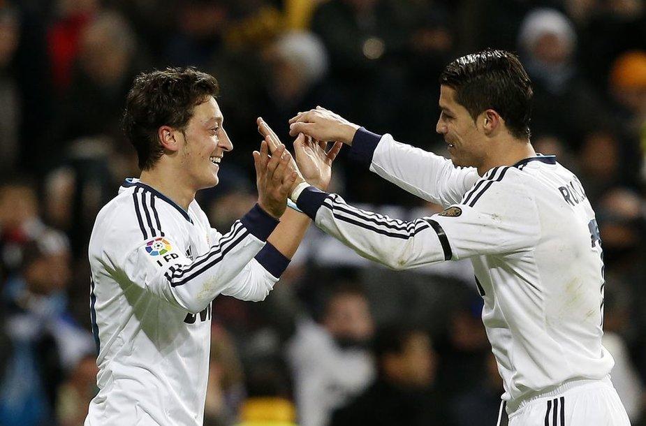 Kaka ir Cristiano Ronaldo
