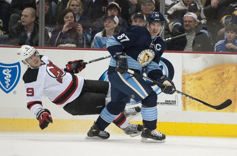 """Be traumuoto Dainiaus Zubraus """"Devils"""" šventė penktąją pergalę iš eilės NHL"""
