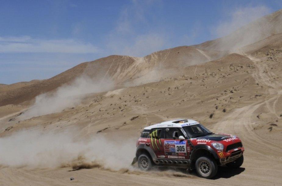 """""""Mini Countryman"""" pasitraukė iš Dakaro lenktynių."""