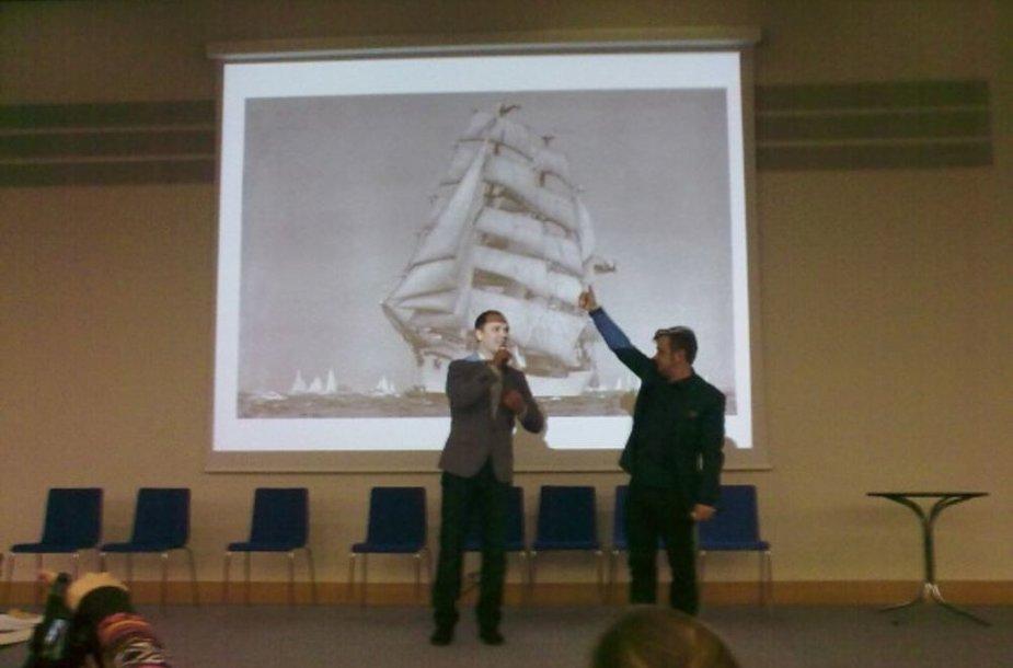 Audrius Bružas (kairėje) ir Kirilas Glušajevas
