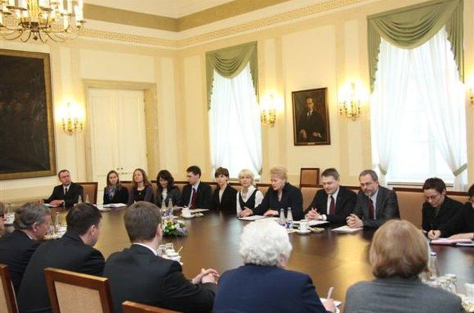 Prezidentė su Seimo Ekonomikos komiteto nariais