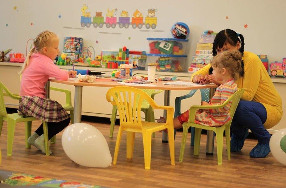 """Sostinės Karoliniškių mikrorajone rugsėjo 1-ąją duris atvėrė vaikų dienos priežiūros centras """"Vaiko šypsena"""""""