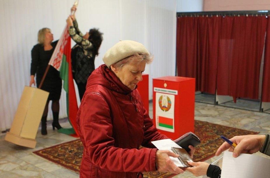 Per keturias dienas iš anksto rinkimuose jau balsavo 19,6 proc. rinkėjų