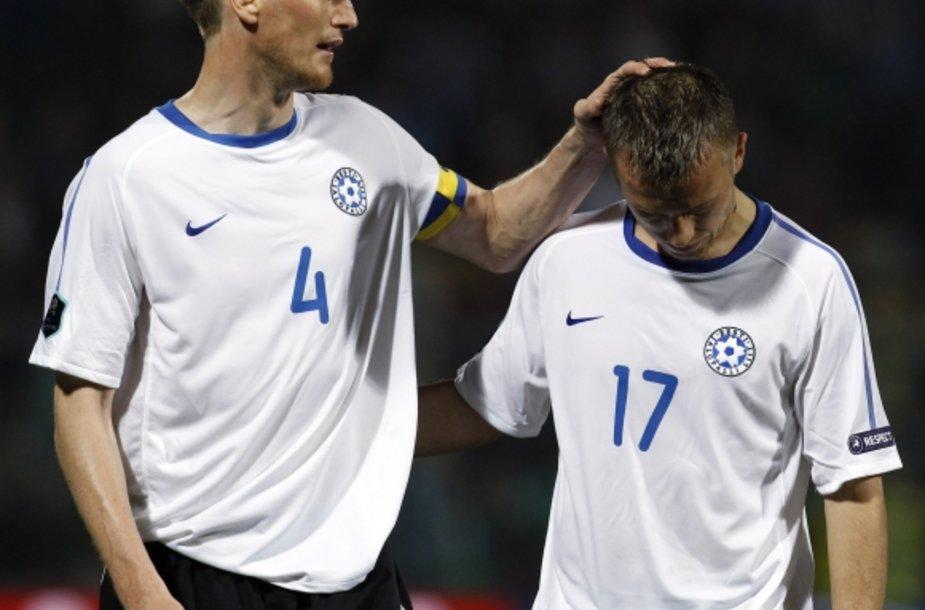 Estijos futbolininkai po pralaimėjimo Fareruose