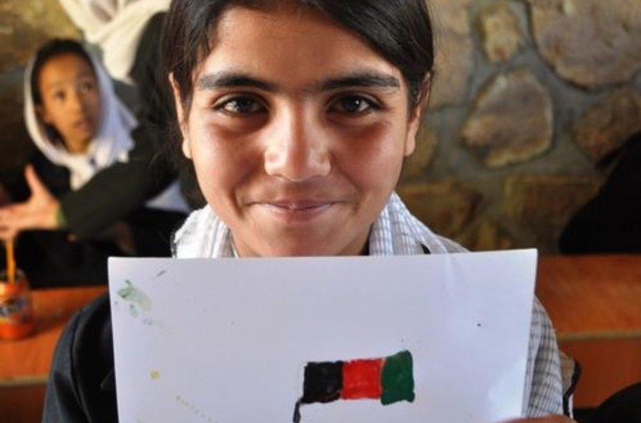 Piešimo pamoka mergaičių mokykloje