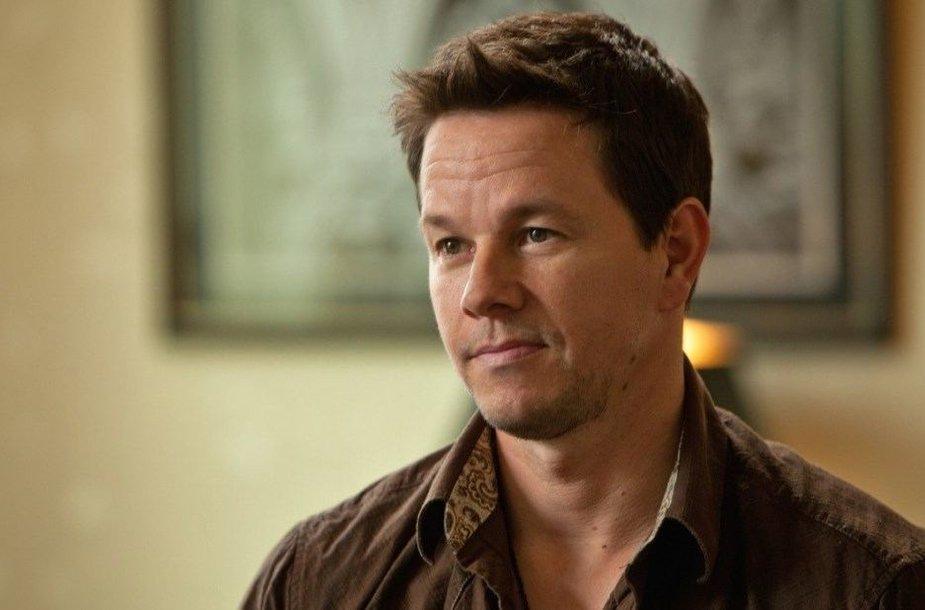 "Markas Wahlbergas filme ""2 Ginklai"""