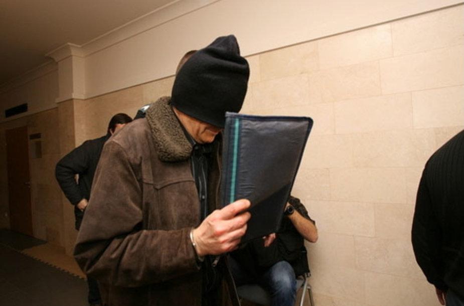 Daug kartų už liguistą potraukį berniukams į tesisėsaugos akiratį pakliuvęs E.Čekanavičius nuteistas 17 metų kalėti.