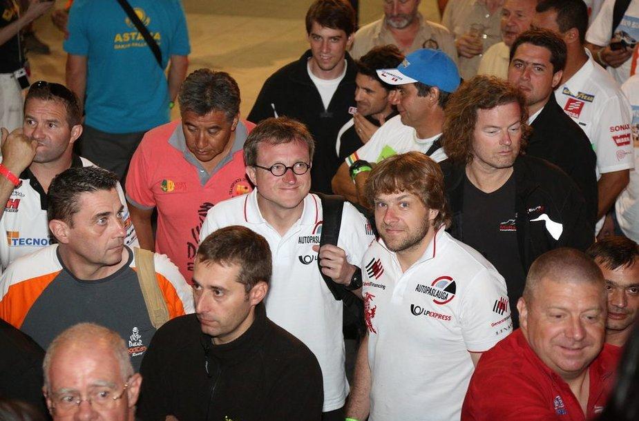 Dakaro ralio dalyvių susirinkimas prieš startą