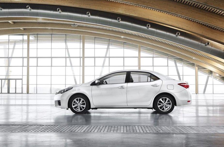 "Naujoji ""Toyota Corolla"""