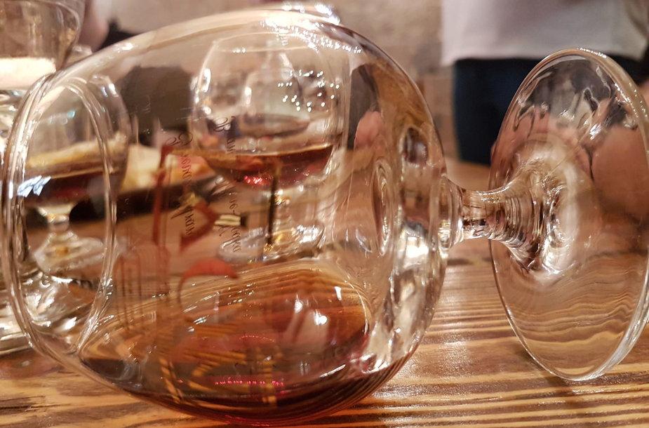 """Brendžio, degtinės ir vyno gamykla """"Ararat"""""""