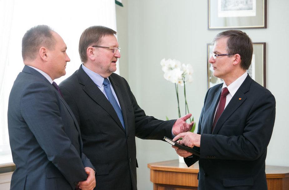 Juozas Bernatonis, Julius Sabatauskas ir Gintaras Kryževičius