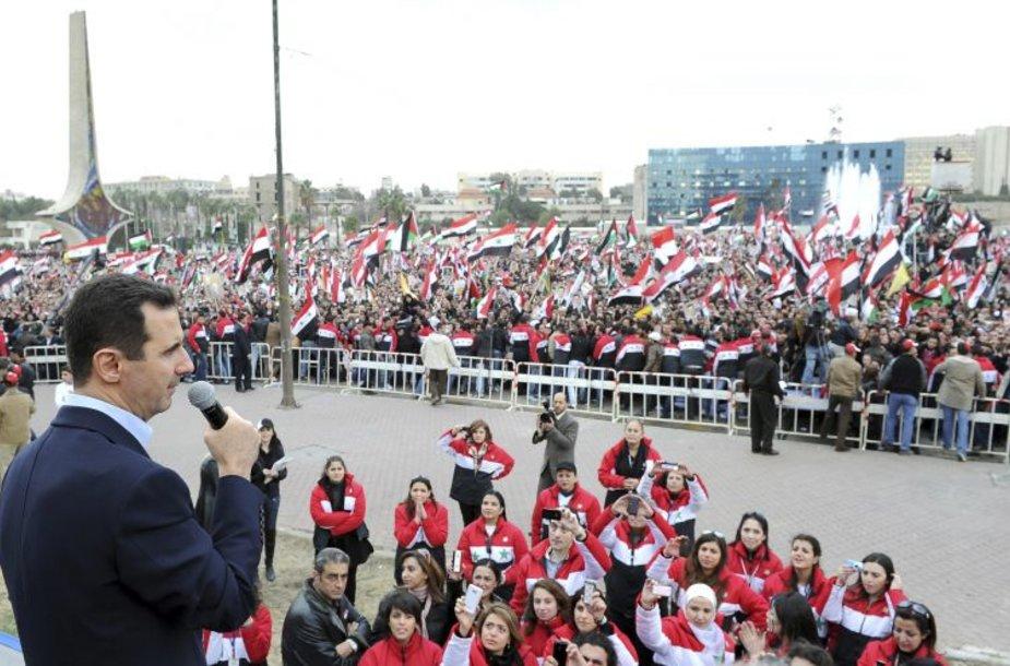 Basharas al Assadas kalba prieš minią