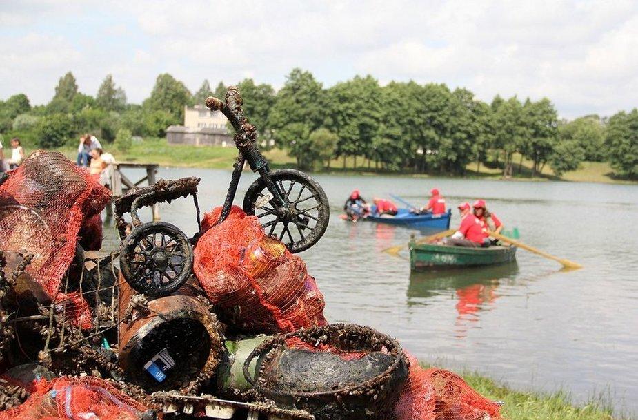 Daugų ežero valymo operacija