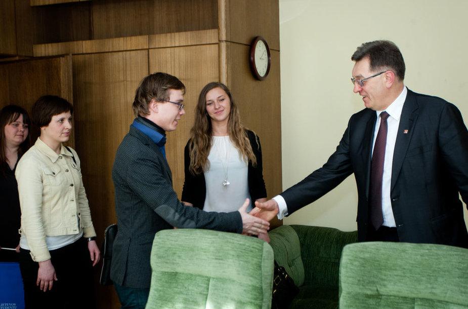 Trečiadienį Ministras Pirmininkas Algirdas Butkevičius susitiko su Lietuvos studentų sąjungos (LSS) atstovais