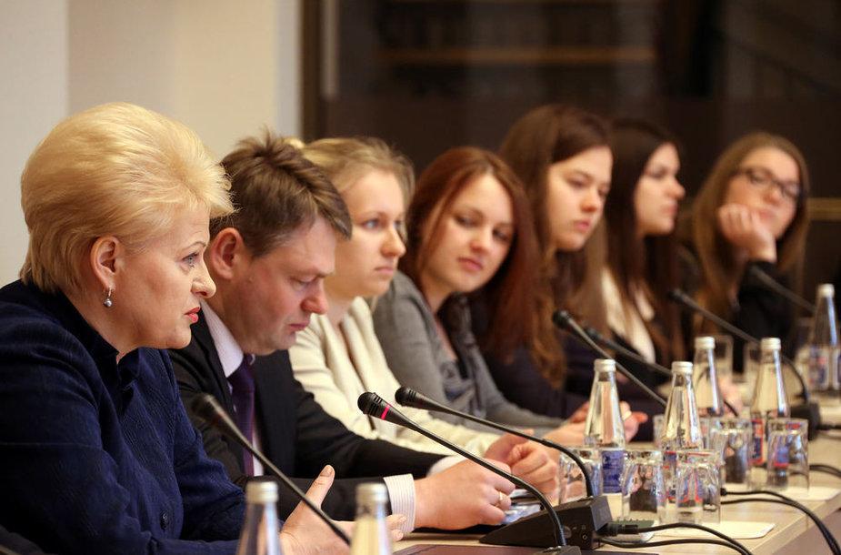 Dalia Grybauskaitė susitiko su ekonomiką studijuojančiais studentais