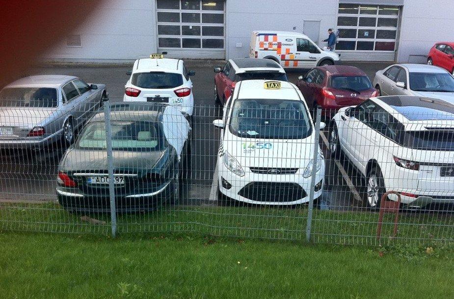 Vilniaus municipalinio taksi automobiliai Vilniaus gatvėse pasirodys kitą savaitę.