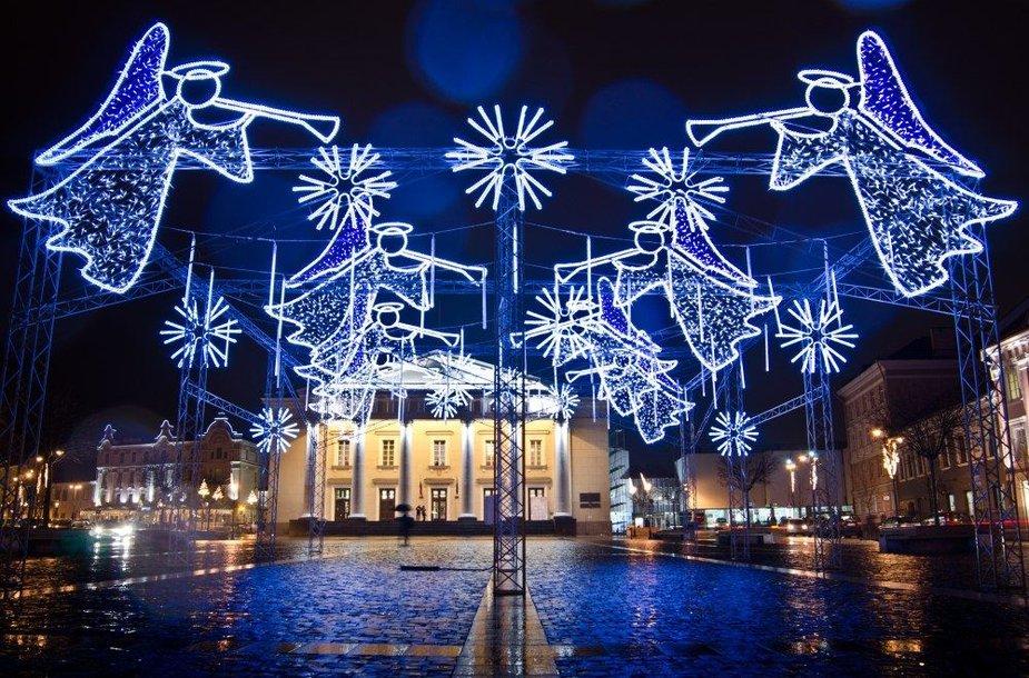 Kalėdinės dekoracijos Vilniaus Rotušės aikštėje 2011 metų gruodį.
