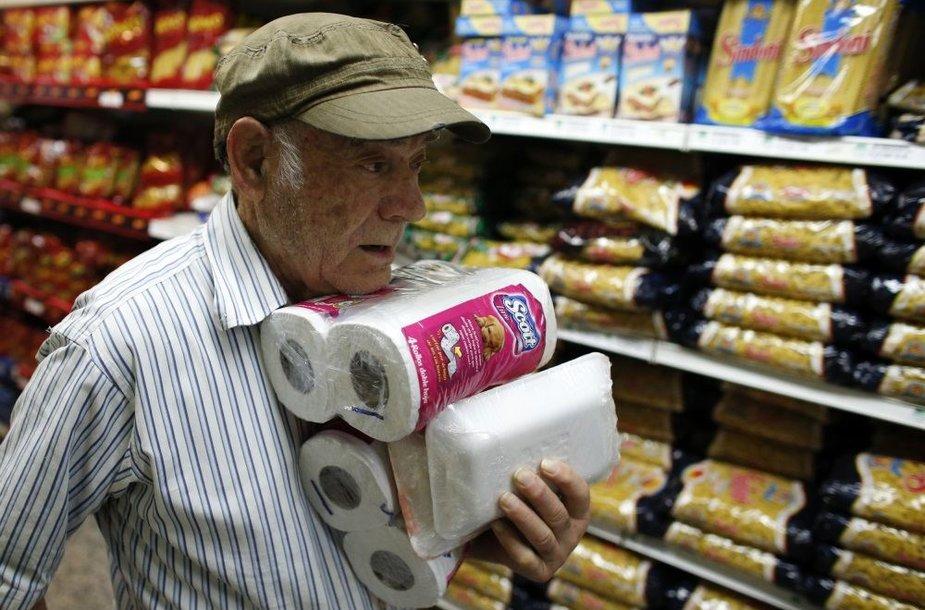 Deficitine preke tapusio tualetinio popieriaus gamybą prižiūrės kariškiai