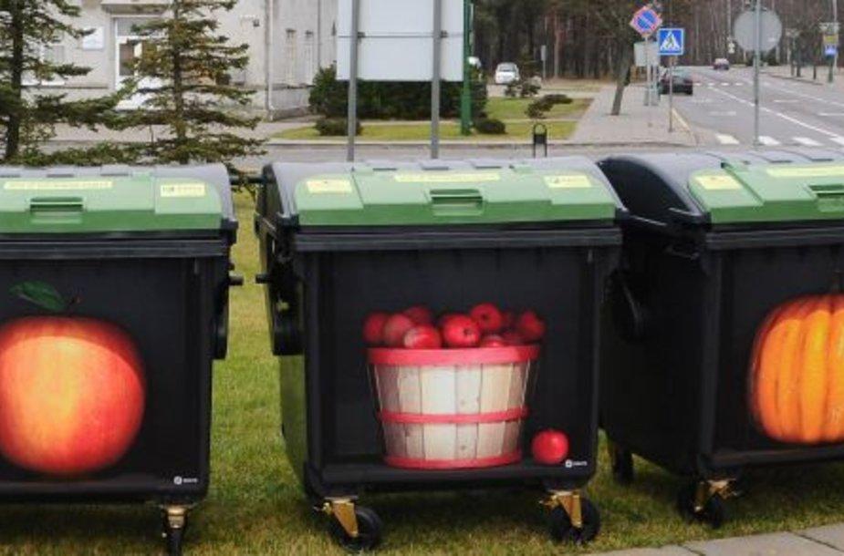 Laukiama, kaip išmargintus konteinerius įvertins klaipėdiečiai.