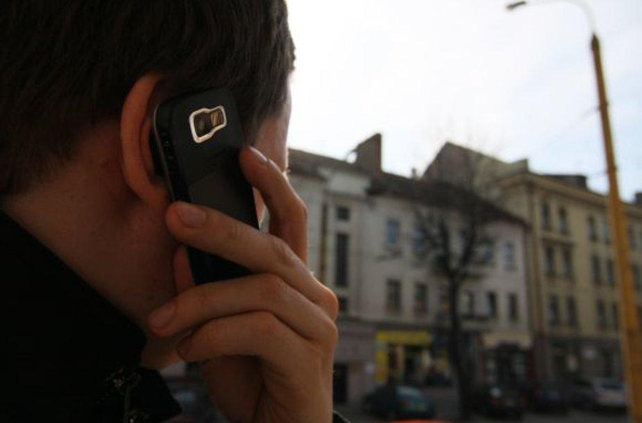 Mobilieji telefonai - dažniausias plėšikų grobis.