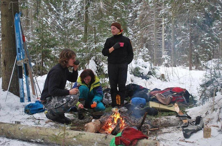 Pirmoji stovyklavietė