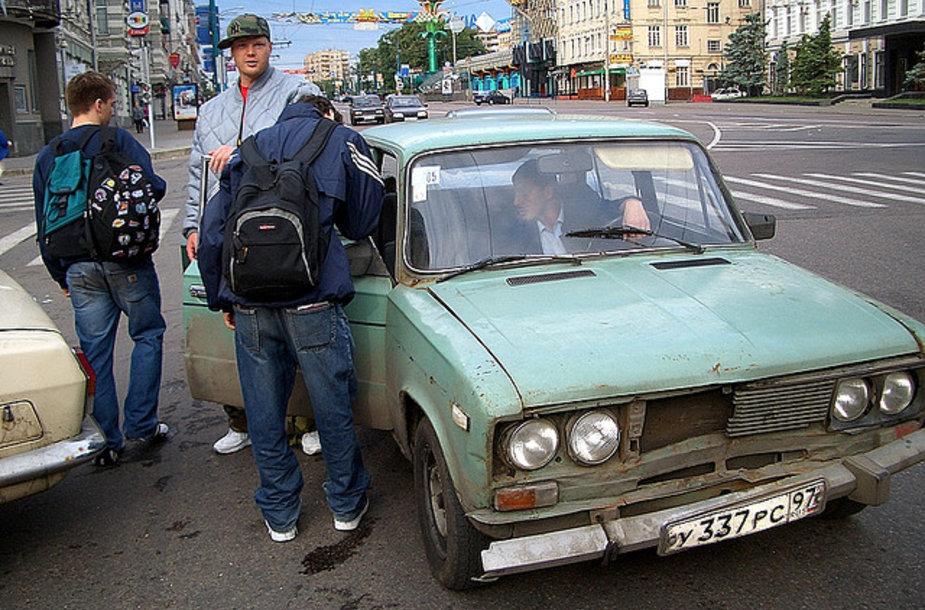 Maskvoje galima vis dar sustabdyti ir tokių taksi automobilių