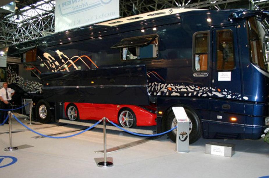 """Volkner Mobil Performance Bus"" autobusas"