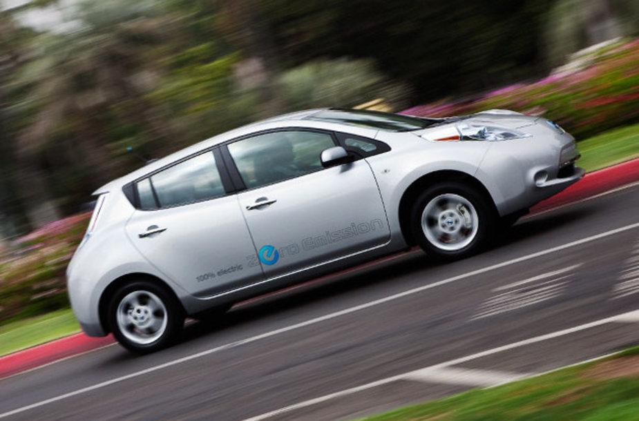 Elektromobilių antplūdžio tikimasi ne anksčiau nei 2025 m.