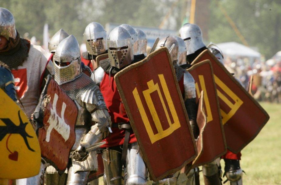 Lietuvių kariai su skydais Žalgirio mūšyje (rekonstrukcija)