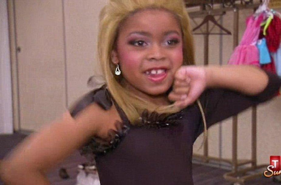 Mažoji Beyonce konkurentė Casey