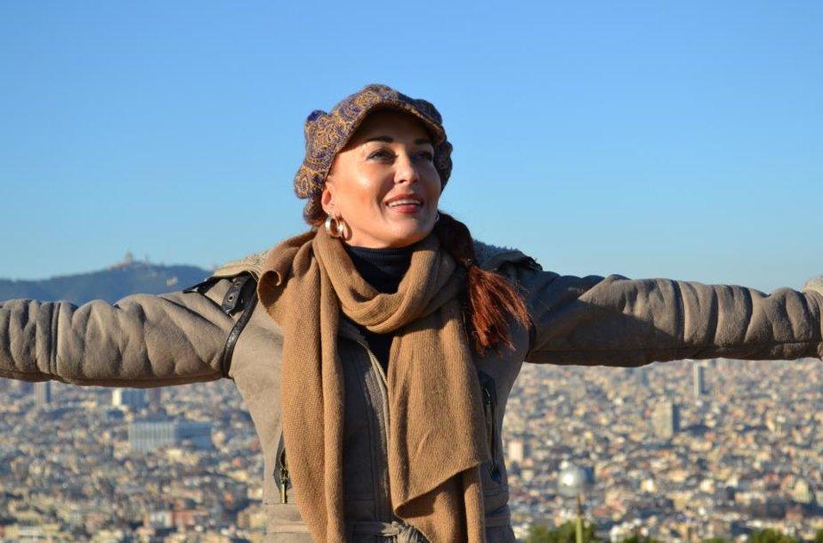 Akimirkos iš Džordanos Butkutės ir jos vyro Elegijaus medaus mėnesio Barselonoje