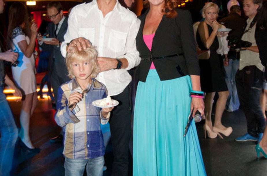 Giedrius ir Asta Masalskiai su sūnumi