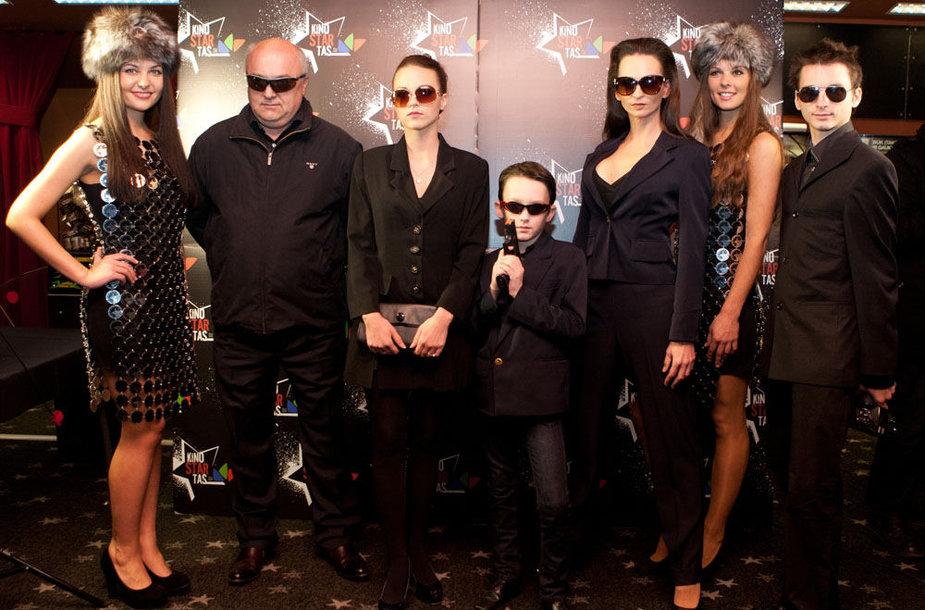 Anusauskų šeimyna (iš kairės): Ričardas, Evelina, Haris, Jurga ir Mindagas