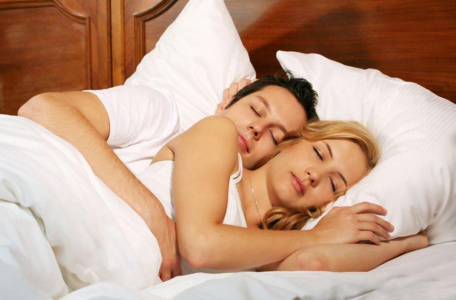 Miegas dviese