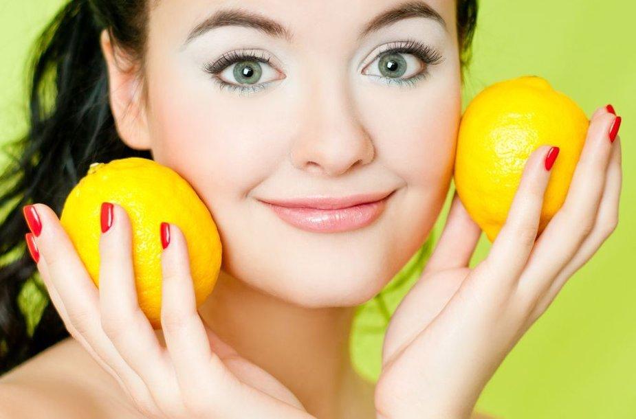 Mergina laiko citrinas