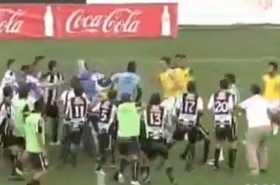 Futbolininkų muštynės