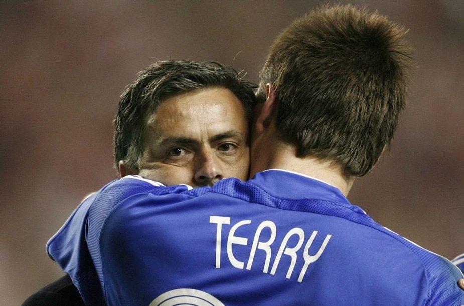 Jose Mourinho ir Johnas Terry