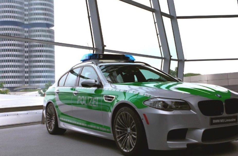 BMW M5 ruoštas Vokietijos policijai