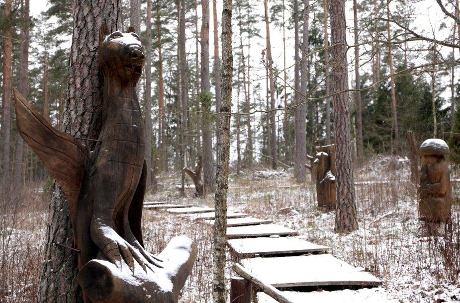 Šarkiškių skulptūrų takai