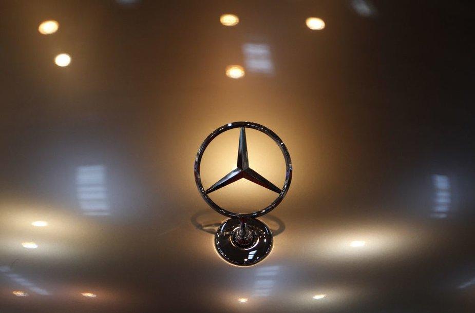 """Mercedes Benz"" ženklas"