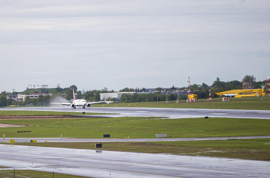 Lėktuvų stebėjimas Vilniaus oro uoste
