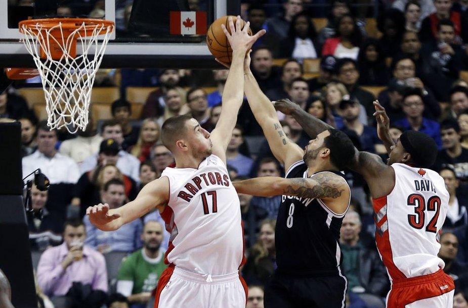 """Jonas Valančiūnas ir """"Toronto Raptors"""" šeštąjį mačą iš eilės pralaimi"""
