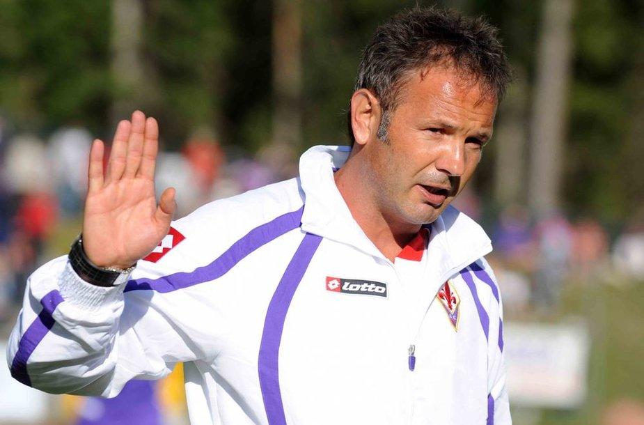 Serbijos futbolo rinktinės treneris Siniša Mihajlovičius