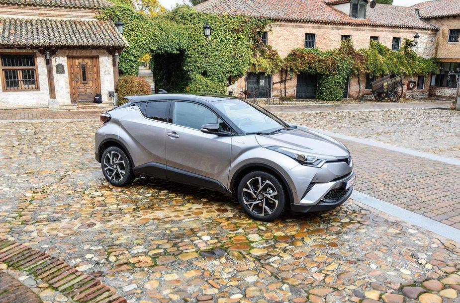 """""""Toyota CH-R"""" pristatymas Ispanijoje"""