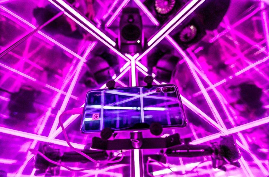 """Katedros aikštėje – galimybė išvysti """"Huawei"""" technologijų magiją"""